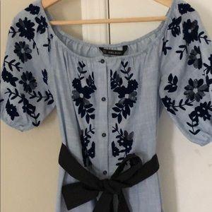 Puff sleeve + appliqué Zara dress